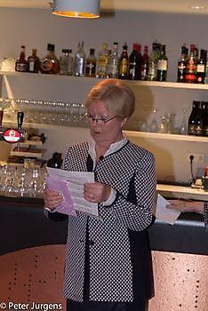 Dieneke ten Broeke met haar dankwoord Stichting Het Winschoter Stadsjournaal